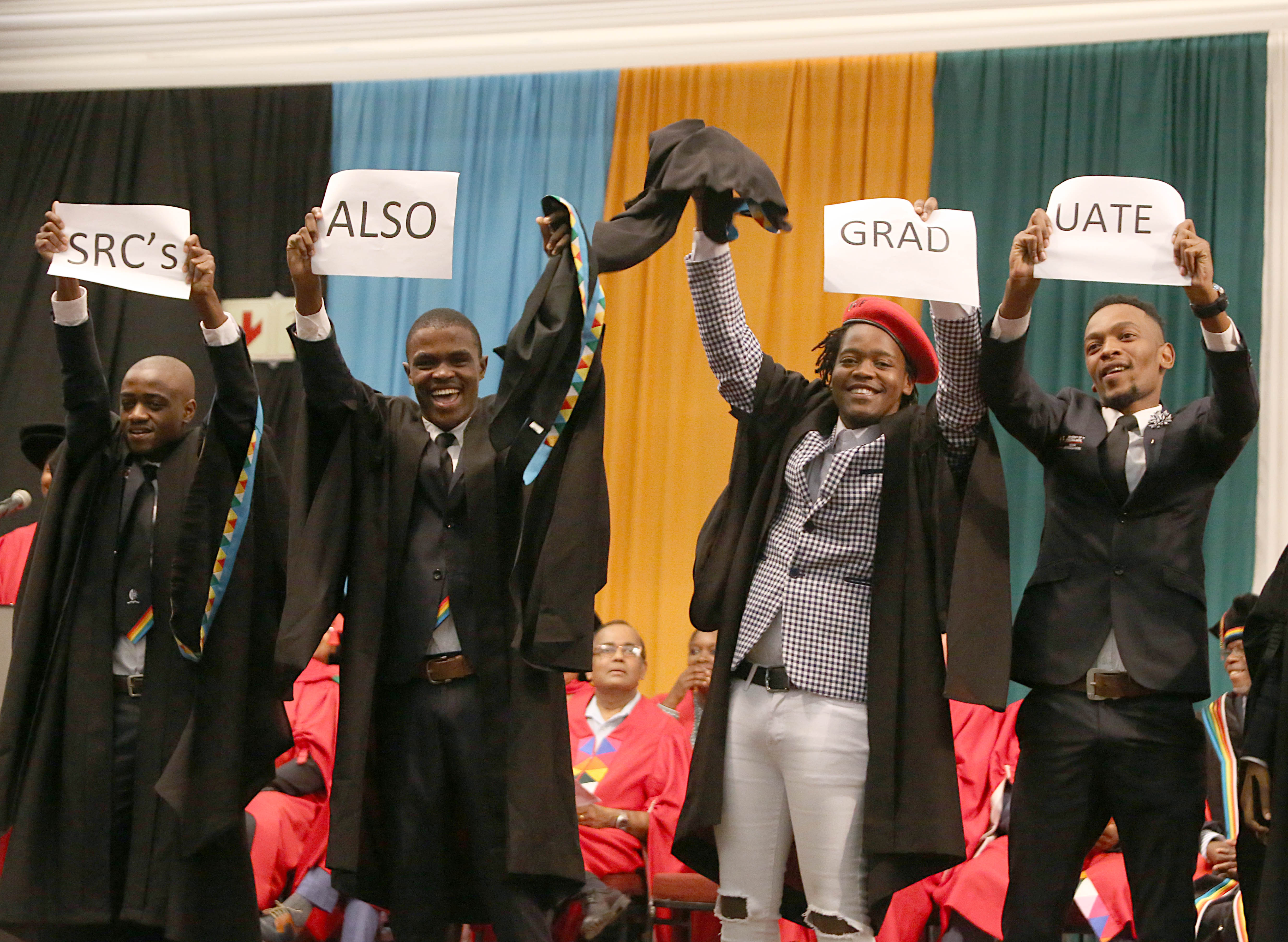 PMB SRC members Phiwayinkosi Mungwe and Samkelo Gudazi graduate with their Bachelor of Social Science degrees.